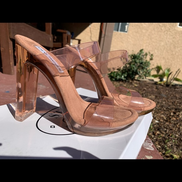 Steve Madden Glassy Tan Heels